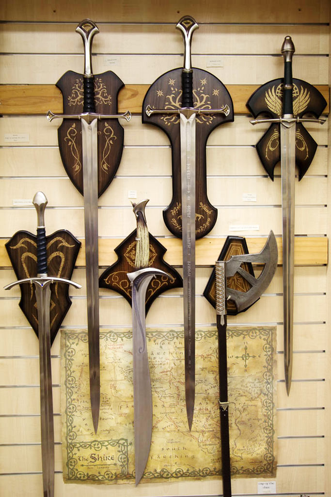 Lord-of-the-rings-merchandise-1